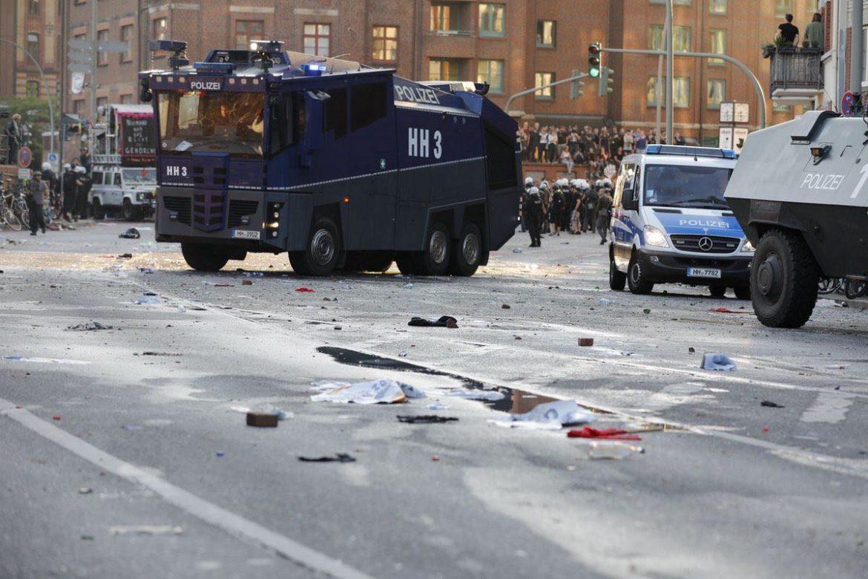 police-truck-hamburg